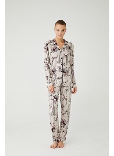Mod Collection Kadın Boydan Patlı Pijama Takımı Bej